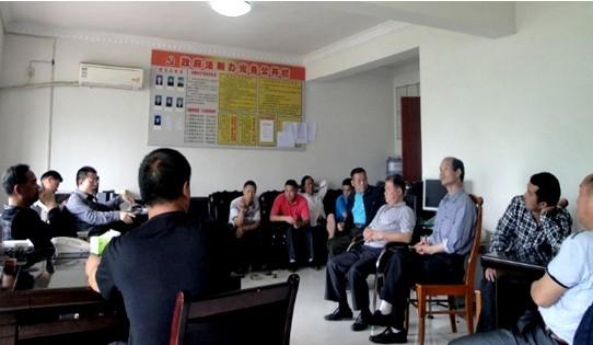 2013年5月,成功调处县委、县政府交办的飞凤园区建设重大疑难纠纷,为玉屏营造了良好的法制环境。