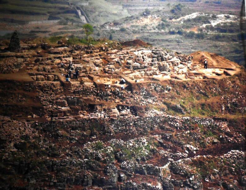 铜鼓山遗址发掘现场