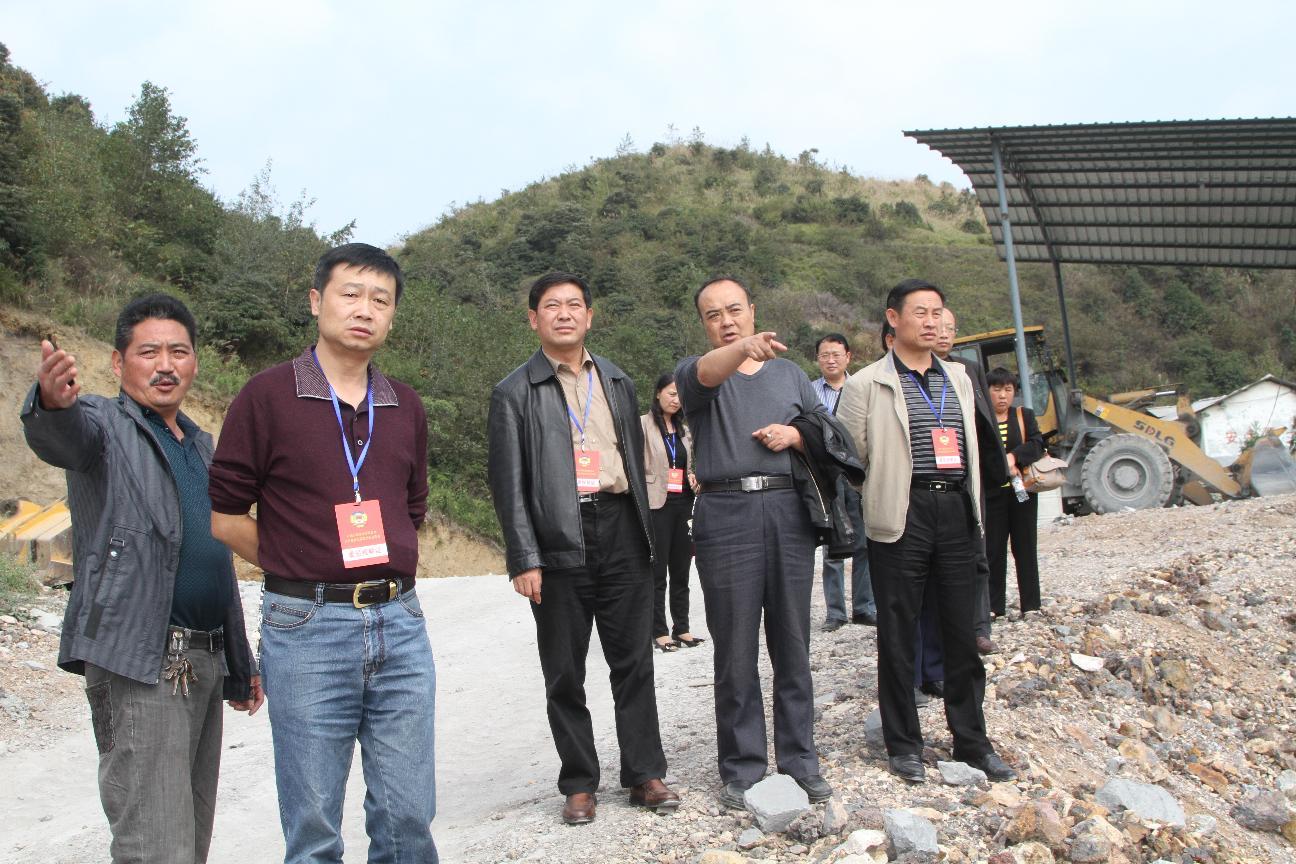 县人大、县政协联合组织部分人民代表、政协委员开展全县生态文明建设工作视察