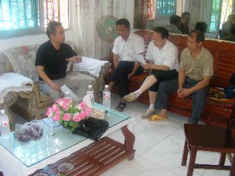 剑河县委统战部到村到户核对同步小康结对帮扶对象情况