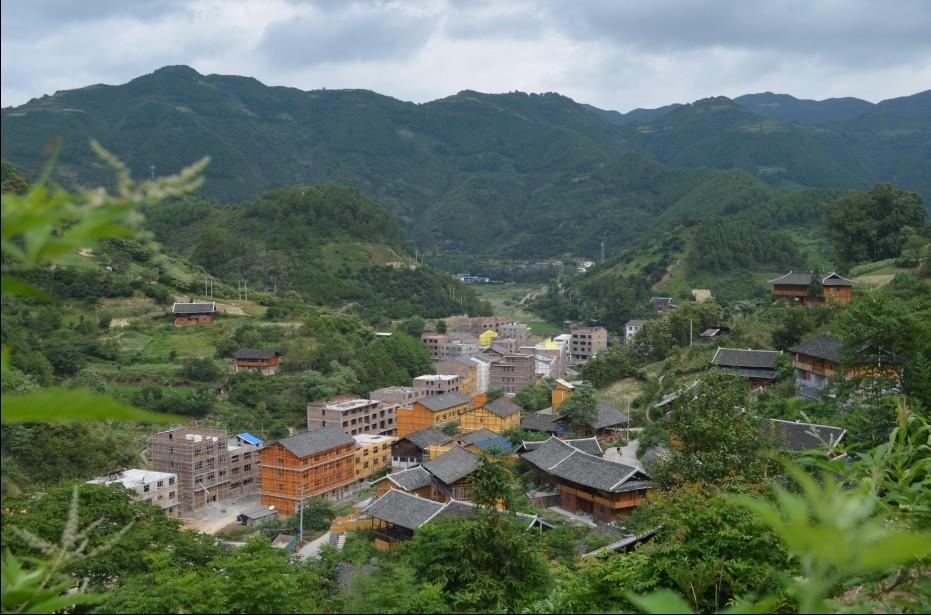 剑河县美丽乡村示范村温泉村建设中