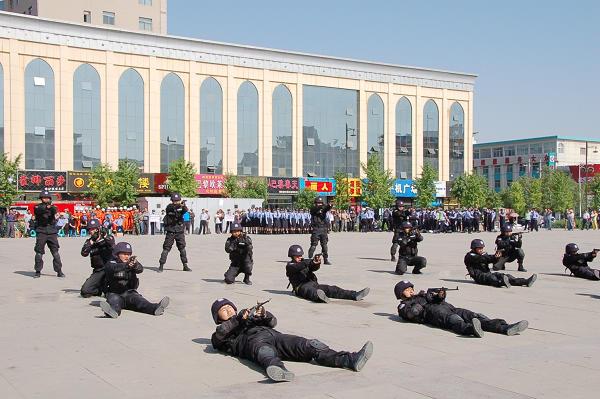 以练促战 不断提升警务技能实战能力