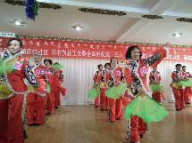 """阿右旗总工会 团结社区庆祝""""三八""""妇女节活动陆续开展"""