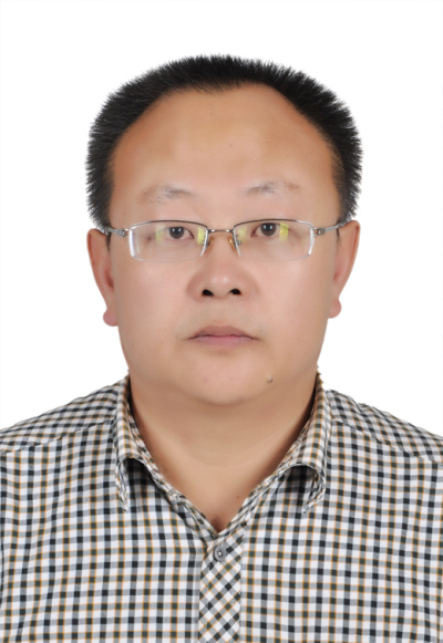 2015年自治区劳动模范——何生逵