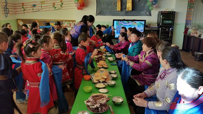 """教育幼儿园举办""""迎新年 庆元旦""""亲子活动"""