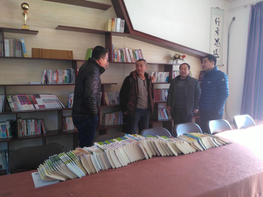 抚顺县民宗局开展送科技下乡活动