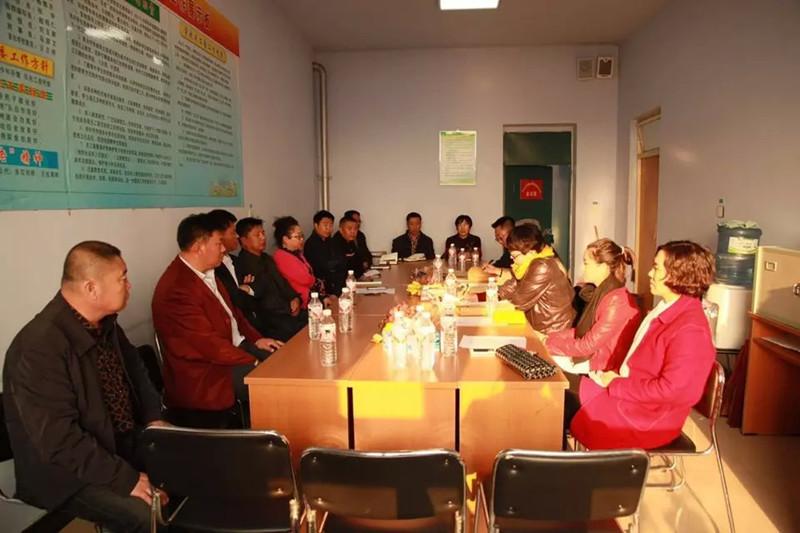 2015年11月2日省学校后勤管理中心检查组在宁江区五中对节约型示范校工作进行检查验收