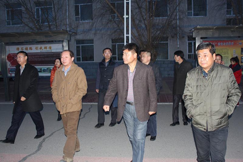 2014年11月27日省学校后勤管理中心检查组到松原市长岭县进行检查验收