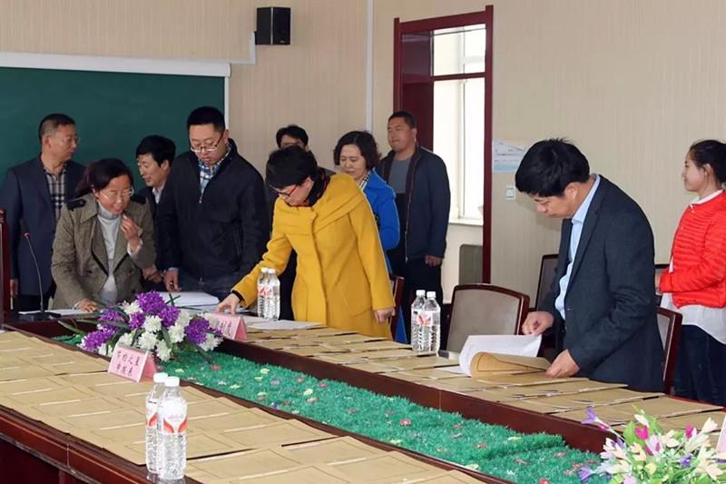 2015年11月4日省学校后勤管理中心检查组在长岭三中对节约型示范校工作进行检查验收