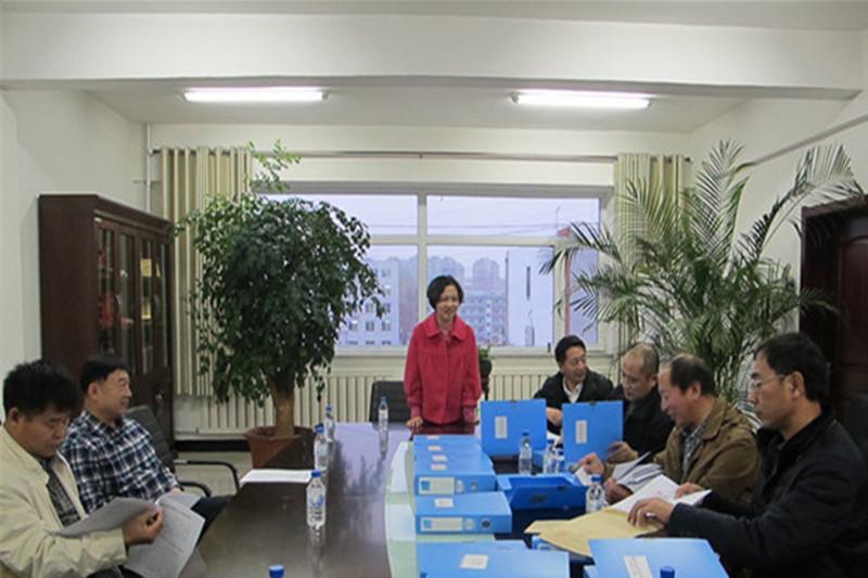 2014年11月26日省学校后勤管理中心检查组到松原市进行检查验收