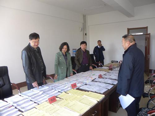 2017年10月17日省学校后勤管理中心检查组对长岭县第一小学进行检查