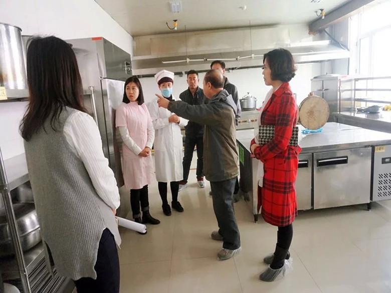 2016年3月18日省食品安全专项督导组在松原市第一幼儿园检查工作