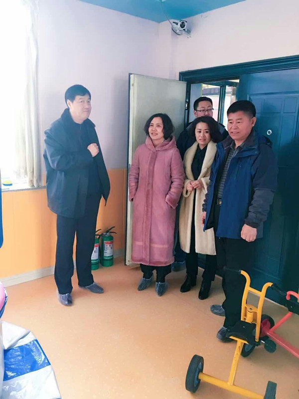 2017年1月6日省学校后勤管理指导中心渲主任一行到松原检查食品安全工作