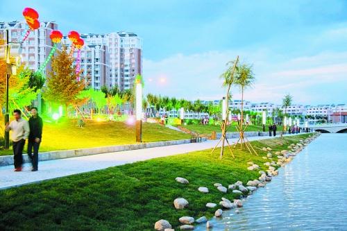 黎明河由原来的排污干渠变为水清岸绿、曲径通幽、河湖联通的滨水景观区