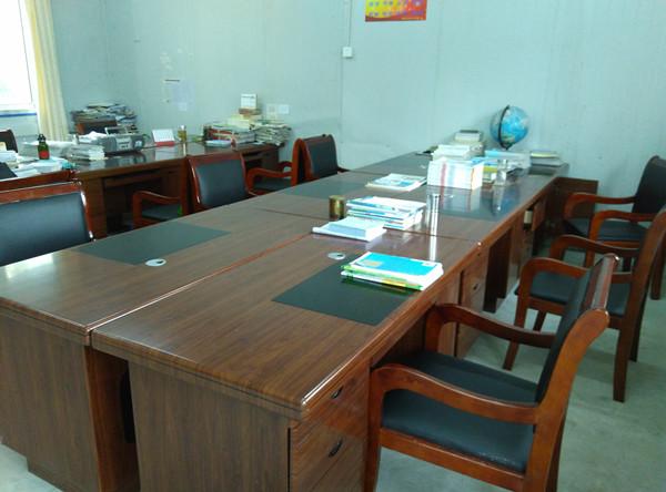 教师喜迎新办公桌椅0004