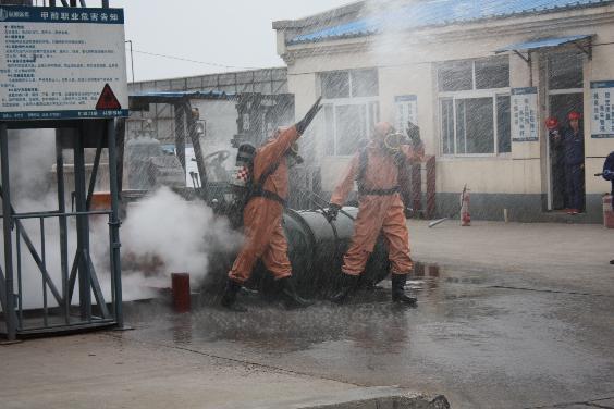 与企业联合组织污染事故应急演练