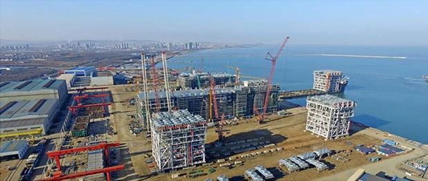 开发区巨涛海洋工程重工有限公司YAMALLNG项目33个模块提前1个月完成交付