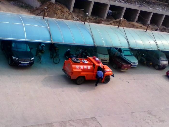 开发区首辆森林消防水罐车正式上岗