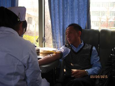 钢城区人防办积极参加无偿献血活动