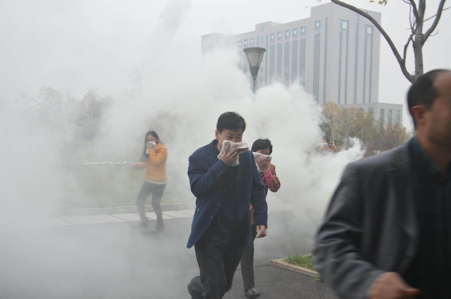 我办组织城市反空袭紧急疏散演练活动