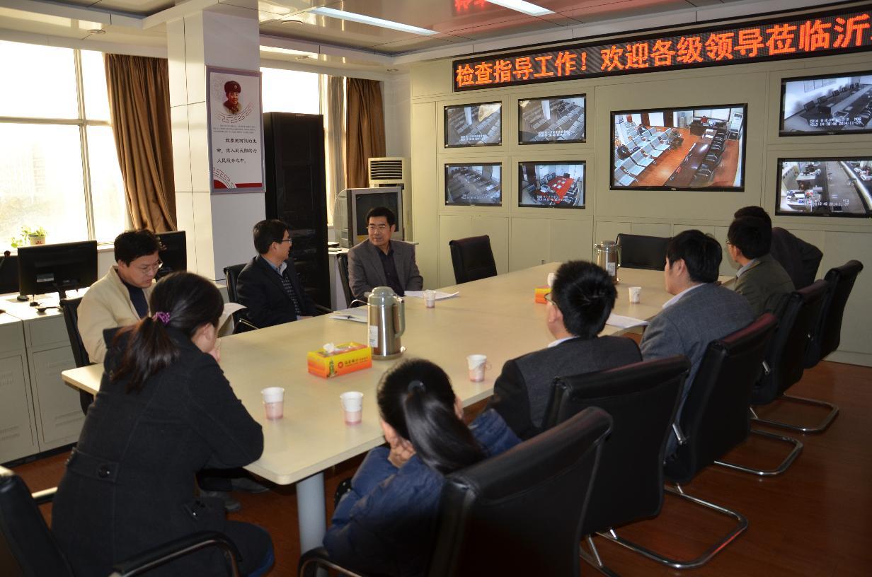 县编办全体干部职工到政务大厅学习调研