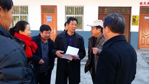 嵩县审计局春节前到白河镇油路沟村帮扶慰问