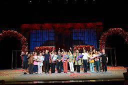 新乡市演艺公司《豫北女人》参加十四届戏剧大赛