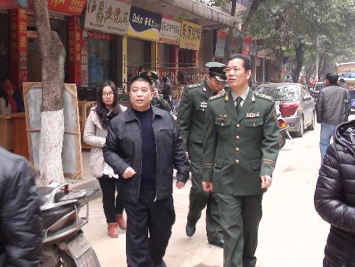 韶关市消防局局长袁奕之到乐昌开展节前安全检查