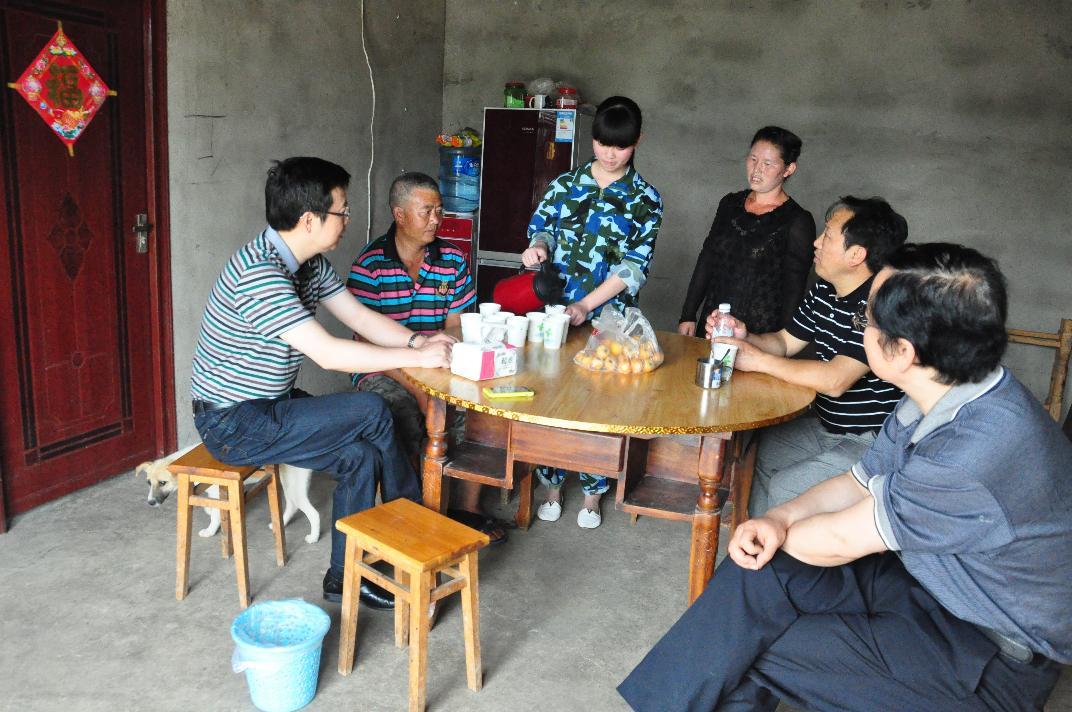 """德阳市归国华侨联合会坚持群众观点  服务""""零""""距离"""