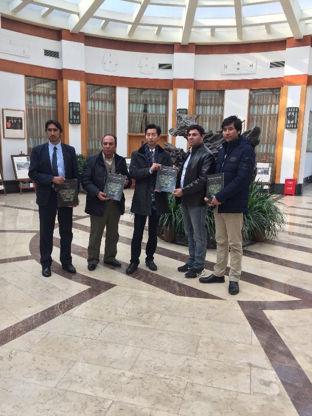 阿富汗国家博物馆馆长拉希姆一行四人参观三星堆博物馆