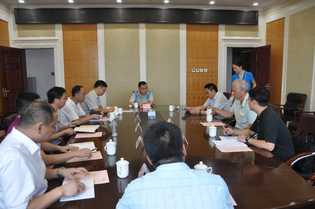 美国著名学者麻省理工学院克里斯凯撒教授访问德阳并与市政府相关部门举行座谈会