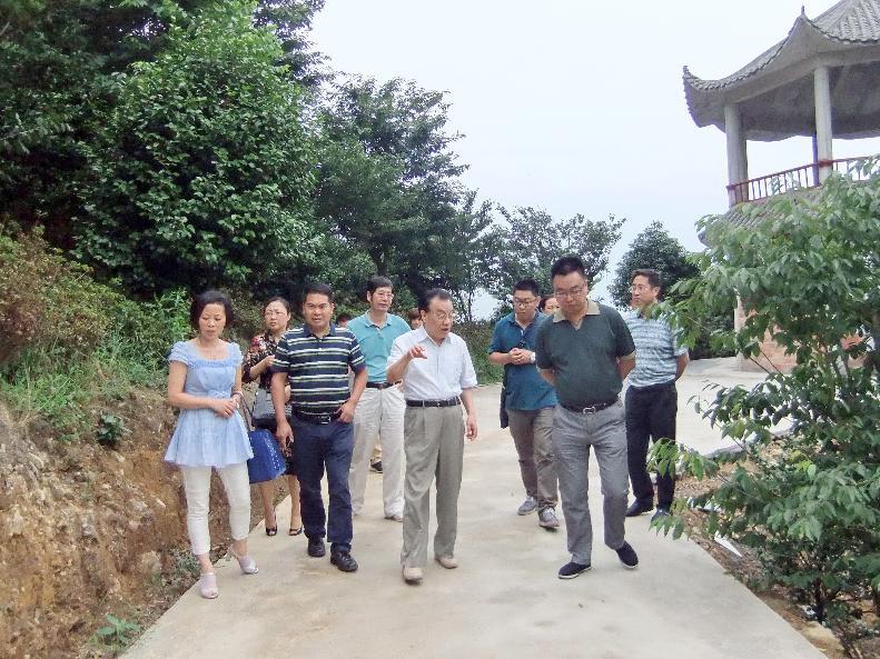 宜宾市社科联到珙县调研农业产业发展并开展社科院坝茶座