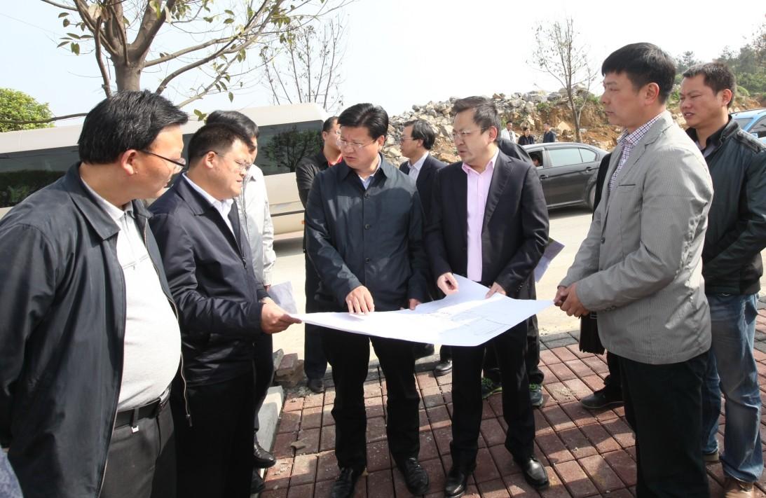 遵义市人民政府副市长王祖彬到红花岗经开区调研