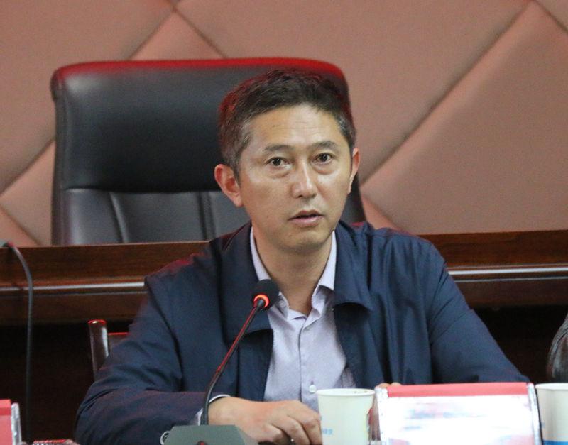 余庆县政法系统集中学习十八届六中全会精神