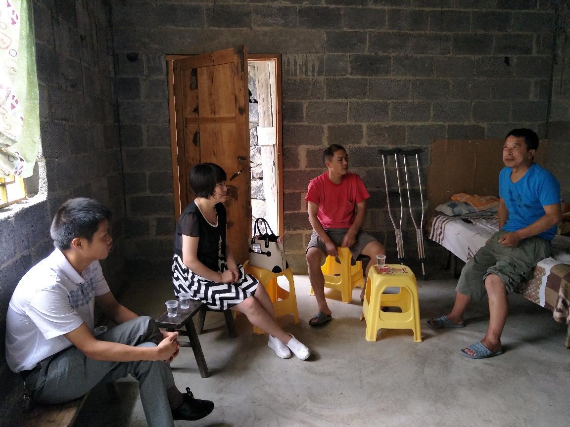 王雪琴局长入户访问受益人员