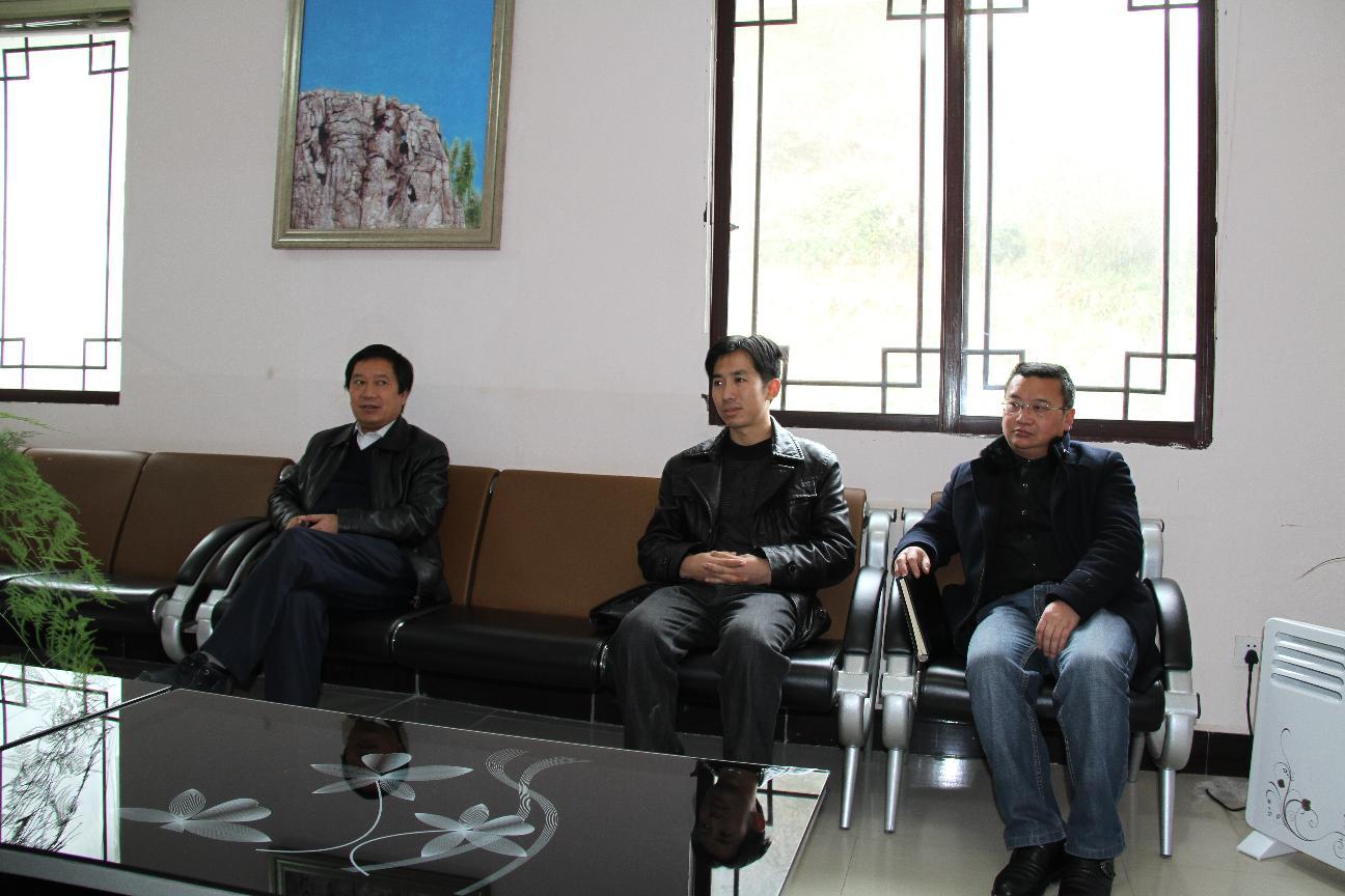 陈祖军、胡卫国到乡镇督促调研安全生产、社会稳定和荒山造林