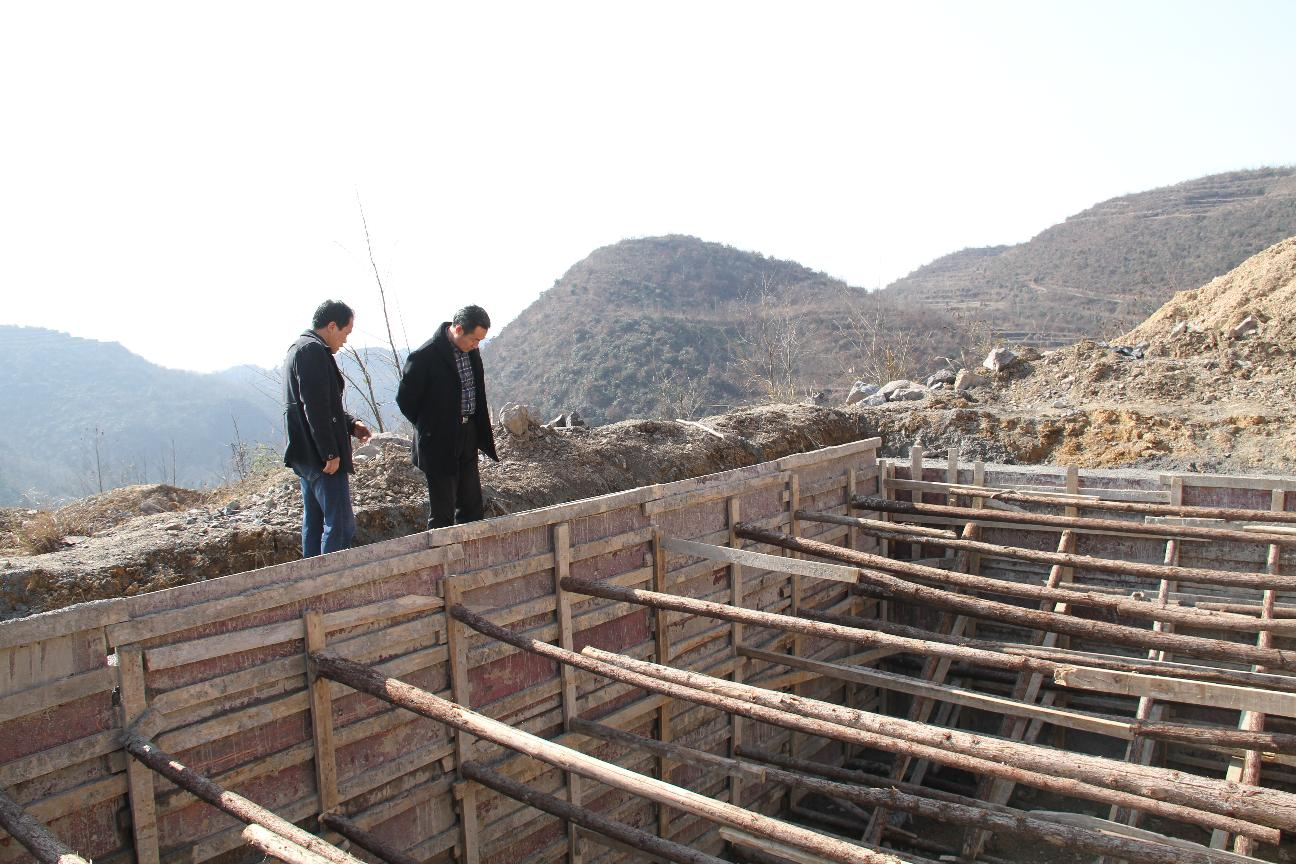 县政协陈亚林副主席到猫场镇调研安全饮水工程进度