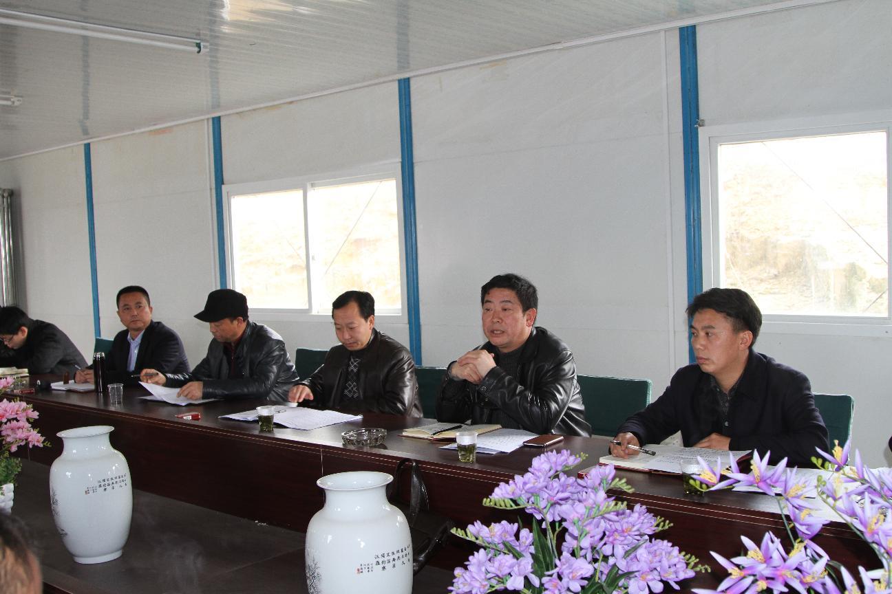 政协主席葛传彦、县委常委、政府副县长张东到金门陶瓷园区现场办公