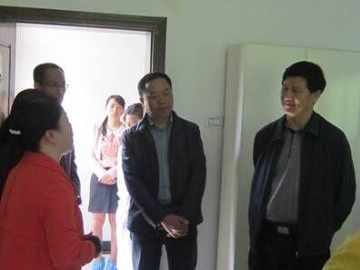 州卫计委主任黄祥友一行到县疾控中心调研指导工作