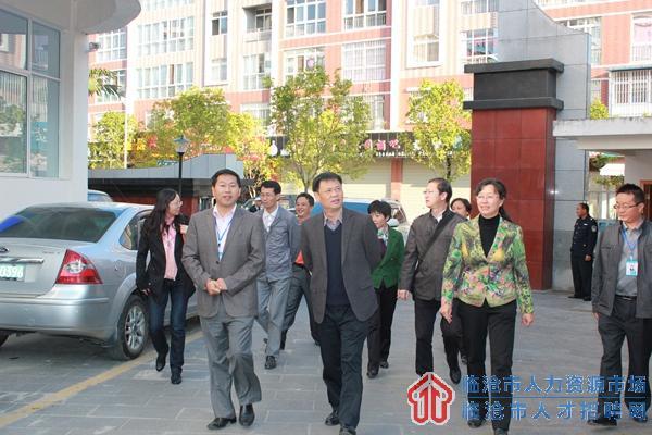 省人社厅邢渭东副厅长到临调研要求做到三突出全面提升就业工作
